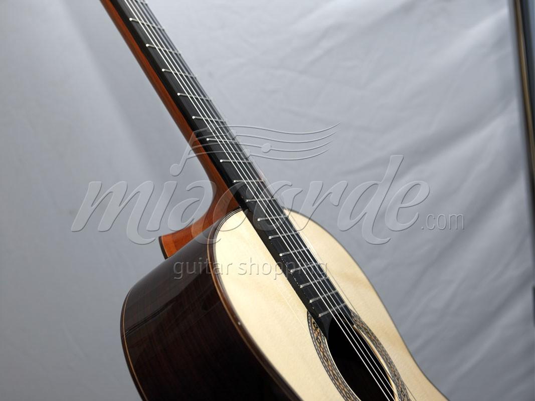 Guitarra luthier precios guitarra luthier joan cashimira for Guitarras de luthier